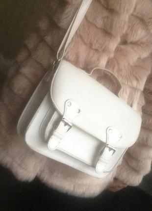 Маленькая белая сумка сумочка на длинном ремешке atmosphere клатч кросс боди