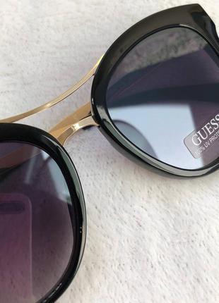 Сонцезахисні окуляри 'guess'