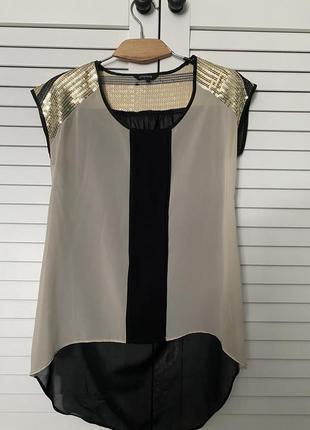 Эффектная блуза с пайетками черная с бежевым