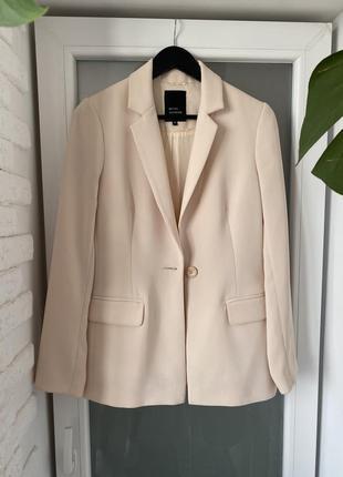 Удлинённый жакет пиджак