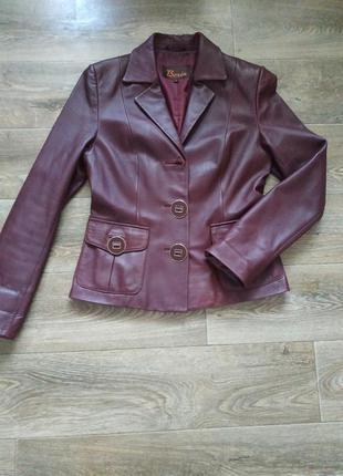 Кожаная куртка пиджак ветровка