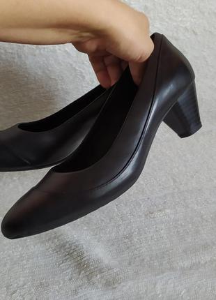 В ідеальному стані шкіряні туфлі від clarks uk p.6