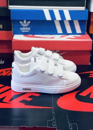 Белые кроссовки на липучках. много обуви!!!