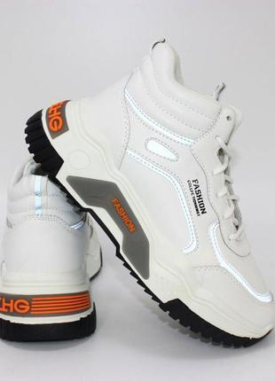 Женские белые высокие кроссовки на осень 110144