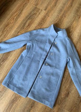 Пальто небесно-голубое