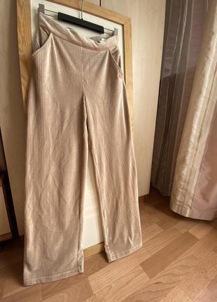 Вельветовые брюки с широкой штаниной