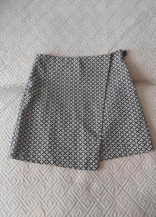 Короткая юбка на запах