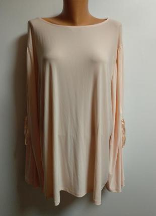 Брендовая блуза с оригинальными рукавами 28/62-64 размера