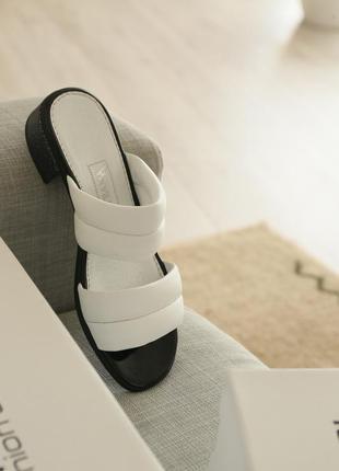 Модные белые шлепанцы из натуральной кожи
