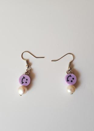 Сережки с жемчугом и смайлами сережки з перлинами