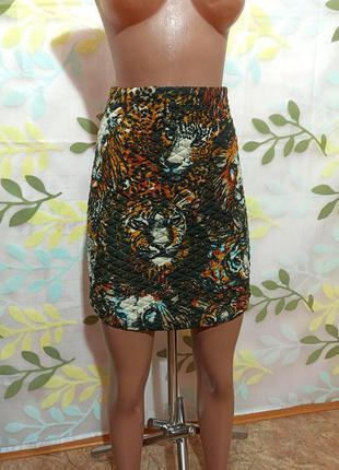 Оригинальная стеганая юбка - карандаш с животным, анималистическим принтом hm по фигуре