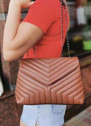 Коричневая женская сумка кожзам кросс боди стёганая