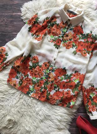Блуза в цветы яркая