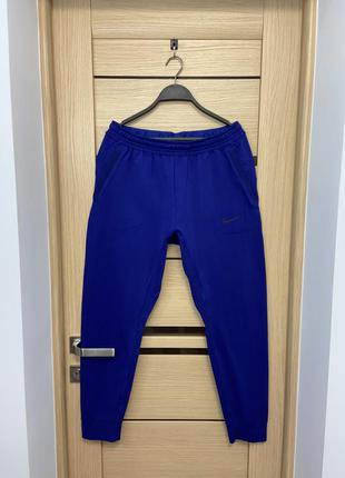 Чоловічі оригінальні спортивні штани nike свіжі колекції