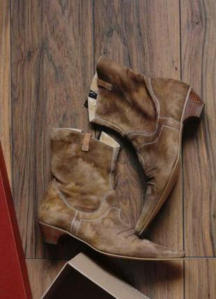 Трендовые итальянские натуральные замшевые ботинки в ковбойском стиле