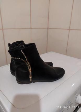 Лёгкие невесомый осенние ботиночки челси