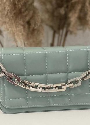 Ментоловая( мятная) женская сумка кожзам кросс боди стёганая с цепочкой