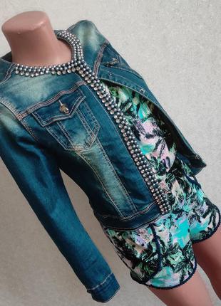 Джинсовая куртка джинсовка со стразами