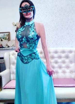 Шикарное вечернее платье мятного цвета