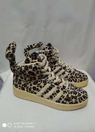 Вентажные кроссовки adidas jeremy scott art v24536