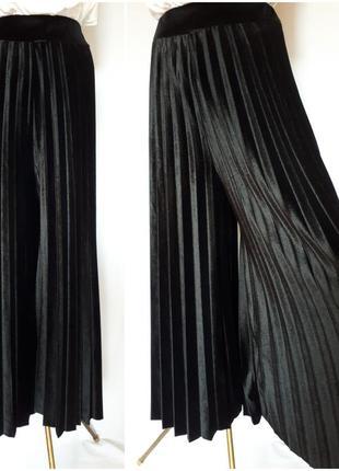 Велюровые плисированные черные кюлоты италия (размер 38-40)