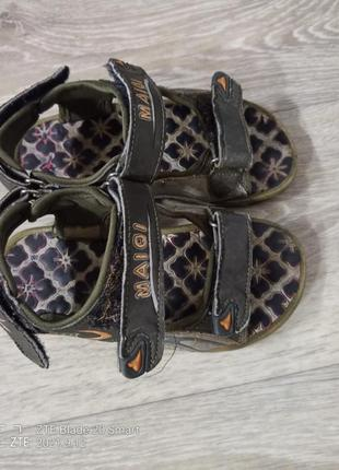 Босоножки, сандали