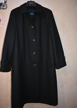 Шикарное шерстяное пальто kreation