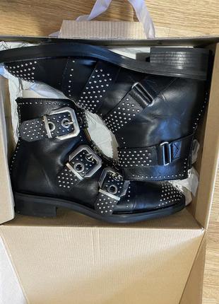 Ботинки с пряжками zara