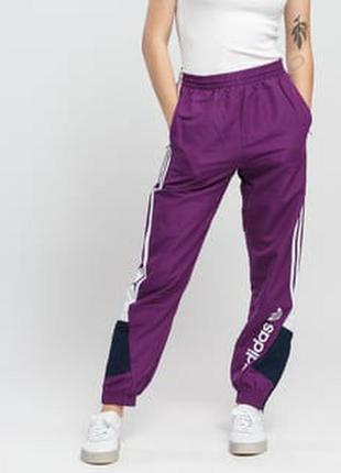 Женские спортивные штаны adidas originals лампасы