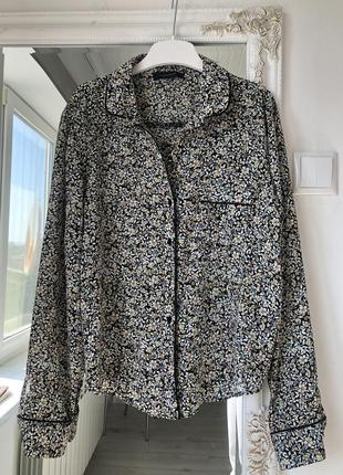 Блуза в дрібні квіти