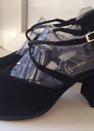 Итальянские туфли известного бренда hobbs полностью из натуральной кожи