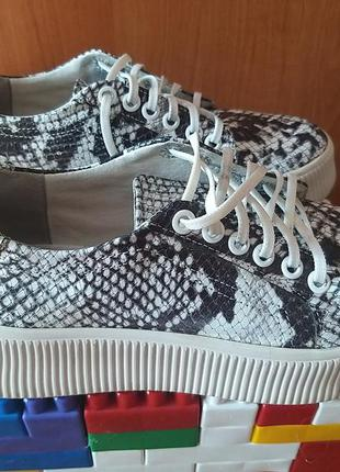 Кожаные туфли в идеальном состоянии!