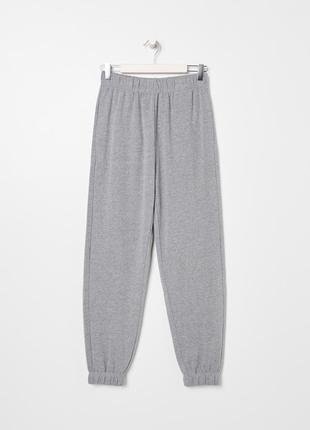 Новые трикотажные тканевые спортивные серые штаны без утепления джоггеры s m