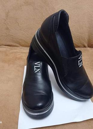 Продам красивые кожаные туфли