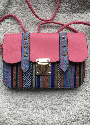 Сумка маленькая сумочка через на плечо плече конверт листоноша в этно стиле разноцветная вышивка с шипами с длинной ручкой ремешком розовая