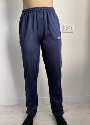 Спортивные брюки, синие штаны спортивные, маленькие спортивные штаны.