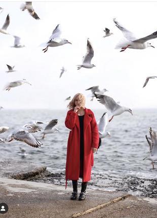 Шерстяное пальто-халат на запах красное осеннее тёплое прямое длинное