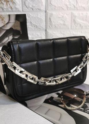 Чёрная женская сумка кожзам кросс боди стёганая с цепочкой