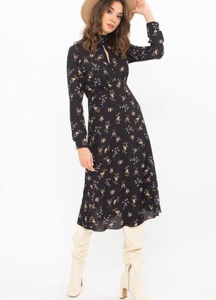 Привлекательное черное платье-миди в цветочный принт 🌼