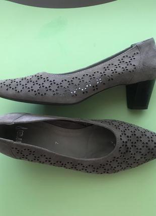 Классические замшевые туфли ara