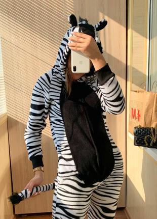 Пижамка кигуруми в принт зебры