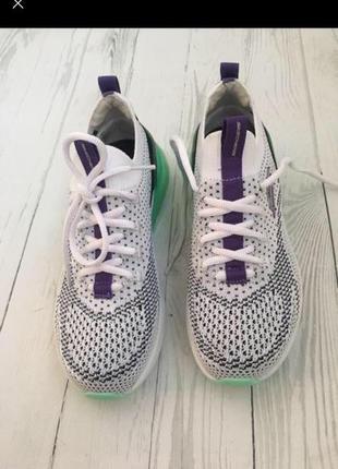Кроссовки, спортивная обувь