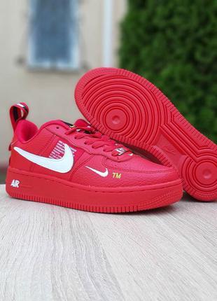 Женские красные кроссовки nike air force 1 lv8 red white кожаные найк