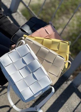 Сумка плетіння , сумка клатч с плетением в стиле ботега