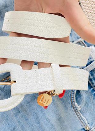 Liu jo белоснежный пояс ремень с интересной пряжкой и подвеской оригинал