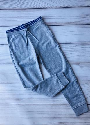 Спортивные штаны  на манжете