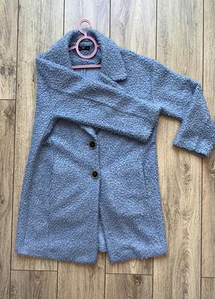 Пальто легке та чудове
