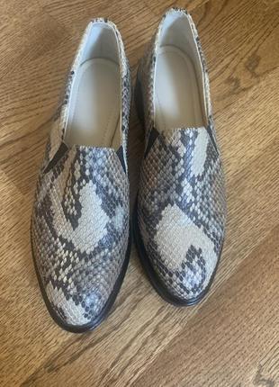 Туфли из натуральной кожи змеи