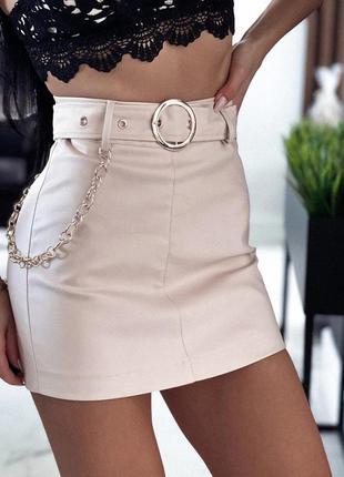 Женская юбка шорты с поясом из эко кожи