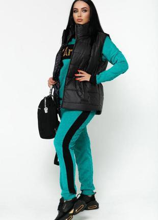 Стильный костюм с жилеткой